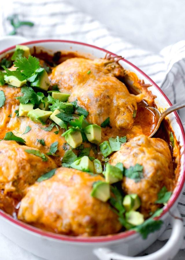 Skinnytaste chicken enchilada roll ups-3